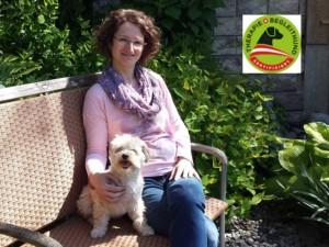 reinhard-michaela-mit-nelly-therapiehund-zertifziert