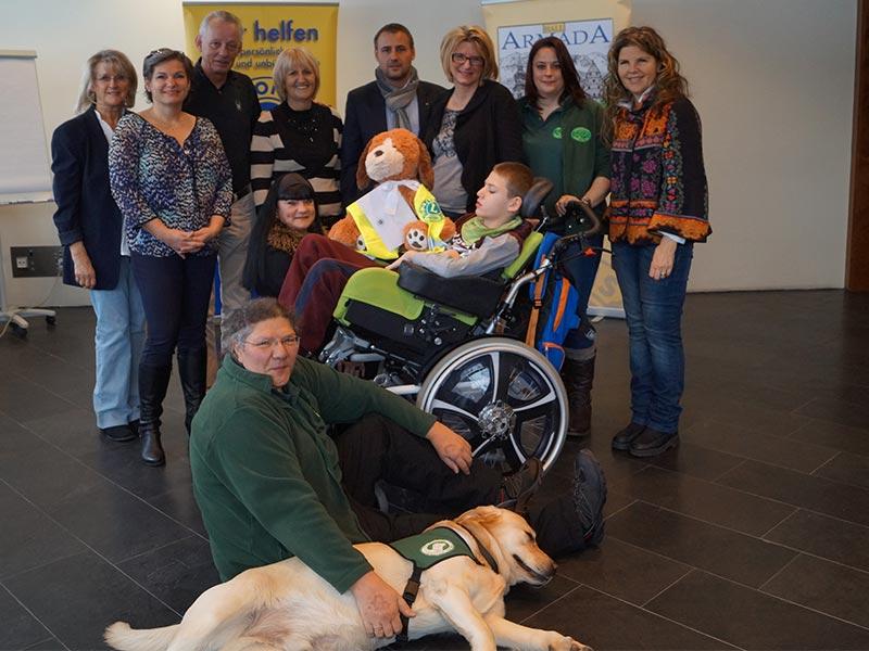 Lions Club Hall unterstützt Therapiehunde-Verein