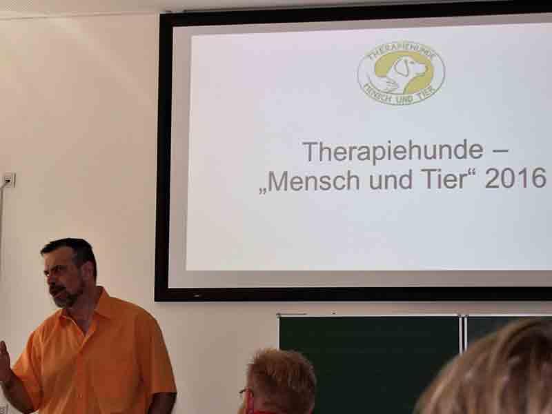 Theorie-Ausbildung Therapiebegleithund